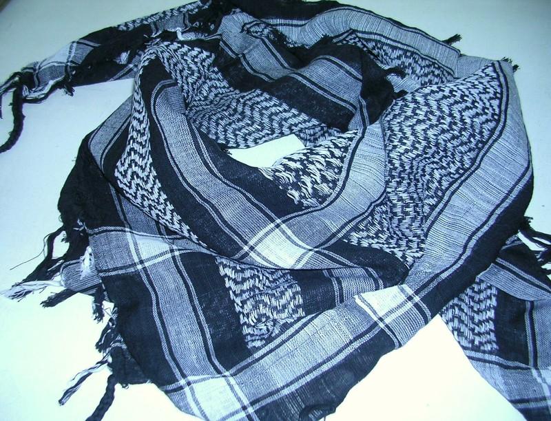 keffieh foulard palestinien noir stock americain 71. Black Bedroom Furniture Sets. Home Design Ideas