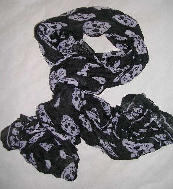foulard t te de mort noir stock americain 71. Black Bedroom Furniture Sets. Home Design Ideas