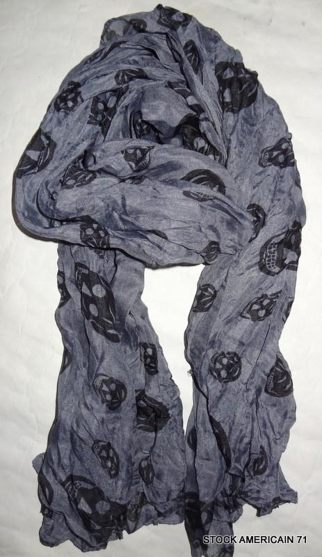 foulard t te de mort gris stock americain 71. Black Bedroom Furniture Sets. Home Design Ideas